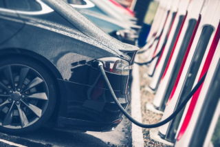 The continuous evolution of high-end electric vehicle technology will help silicon carbide manufacturers increase their confidence in the layout